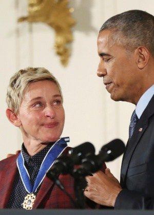"""Ellen DeGeneres se emociona com homenagem de Obama: """"Que dia maravilhoso"""" #Apresentadora, #Carreira, #Casamento, #EllenDegeneres, #Facebook, #Homenagem, #Homenagens, #LGBT, #Luz, #M, #Mundo, #Noticias, #Presidente, #QUem, #True, #Twitter http://popzone.tv/2016/11/ellen-degeneres-se-emociona-com-homenagem-de-obama-que-dia-maravilhoso.html"""