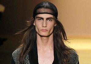 Париж мужской одежды: шляпы: Энн два Парижская Неделя моды мужской одежды весна 2012