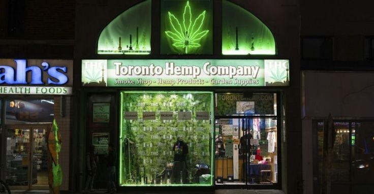 Cientos de negocios ofrecen hierbas estimulantes
