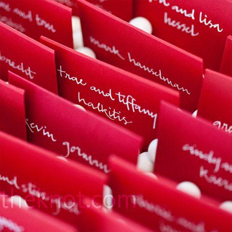 真っ赤がかわいい!結婚式の赤い個性的な席次表のまとめ一覧♡