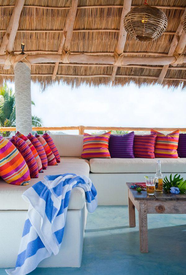 Las Cositas de Beach & eau: UNA CASA LLENA DE COLOR ....textiles…
