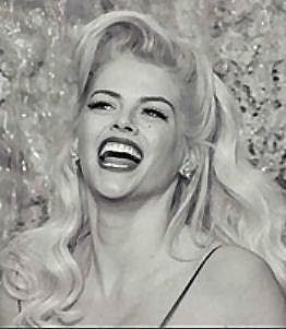 Anna Nicole Smith Pictures - Rotten Tomatoes