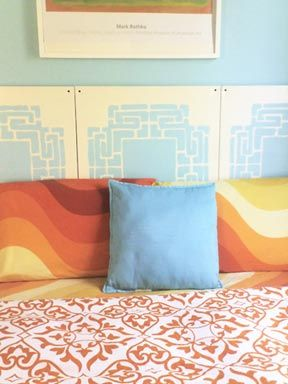 DIY Canvas headboard.  Love these colors!    Link goes to a site with tons of other diy headboards & directions. They have one for a corner bed, ones made from wood, fabric ones, lighted headboard (light only), and many others.