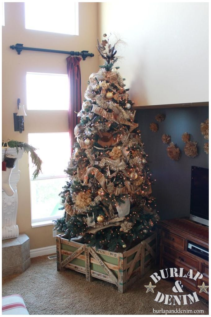 Burlap and Champagne Christmas Tree | Burlap & Denim