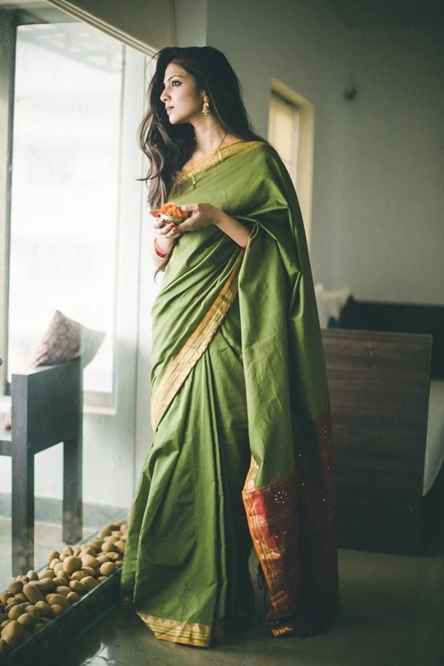 Love the feel of this saree..... :)