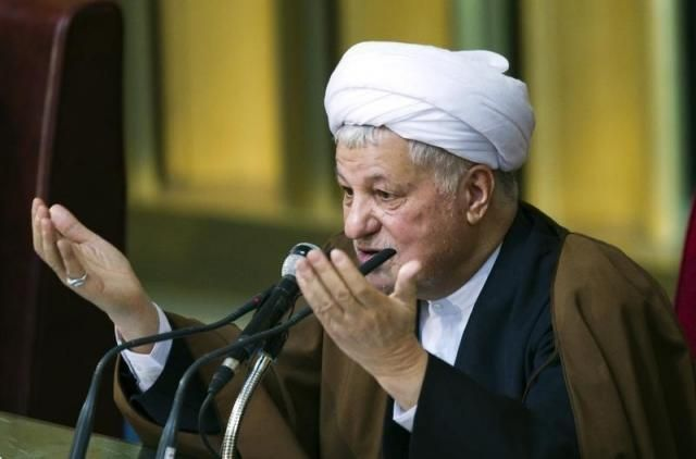 Former Iranian president Akbar Hashemi Rafsanjani gives the opening speech during Iran's Assembly of Experts' biannual meeting in Tehran March 8, 2011. REUTERS/Raheb Homavandi