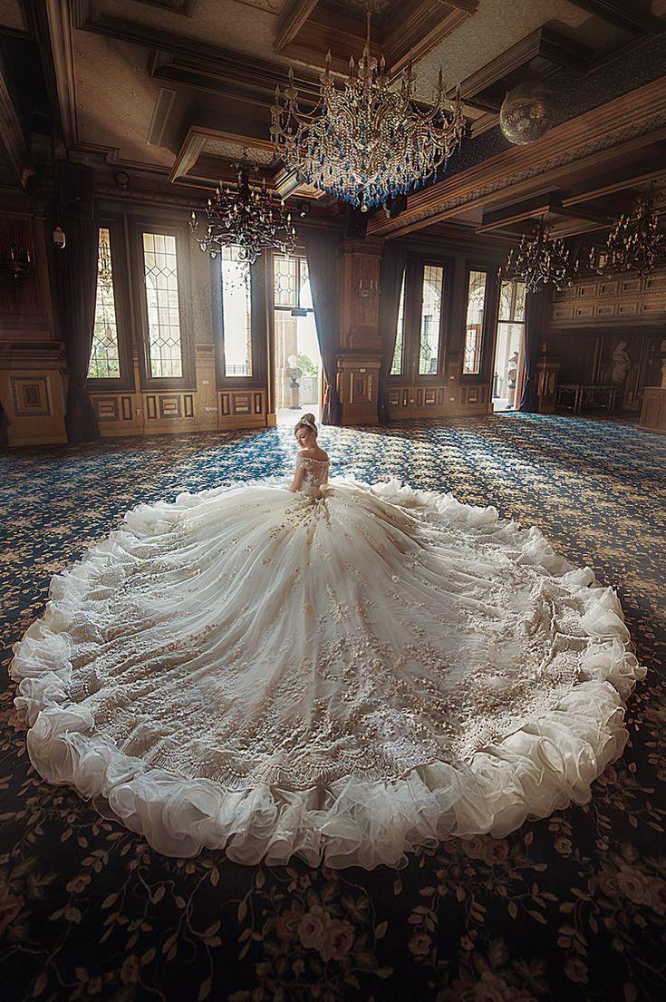 17 Statement Brautkleider mit schönen Details!