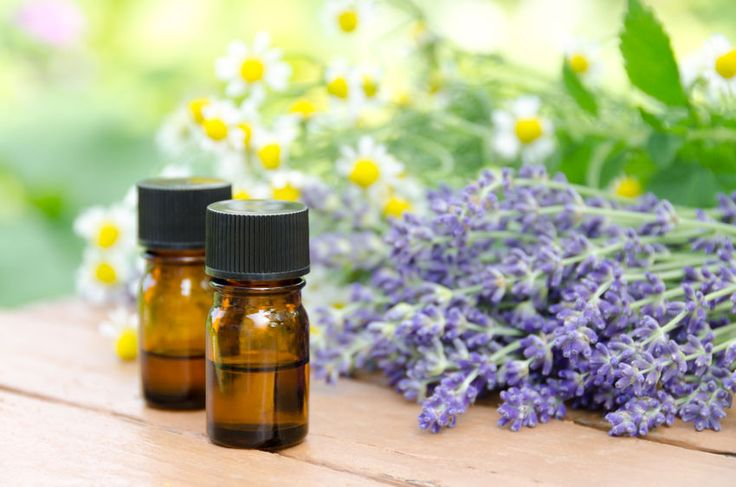 Check out the best 8 essential oils and recipes for nail fungus. Also, I will show you how to use essential oils to treat nail fungus, including topical, oral and other methods.