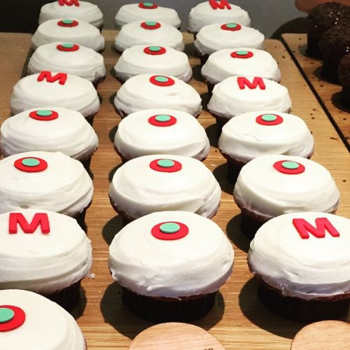 M O M #Cupcakes #Vegan red velvet #CurvesGoneVegan  (at Sprinkles Cupcakes Chicago)