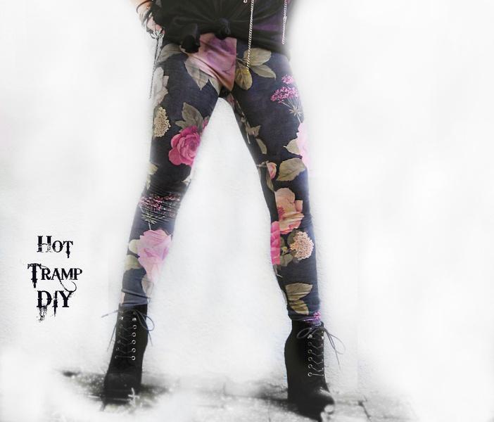 Aus stretchigem, superweichem Baumwoll - Jersey und mit 90s - Floral - Print  ist die KELLY Leggings DER perfekte Partner für all Eure unifarbigen