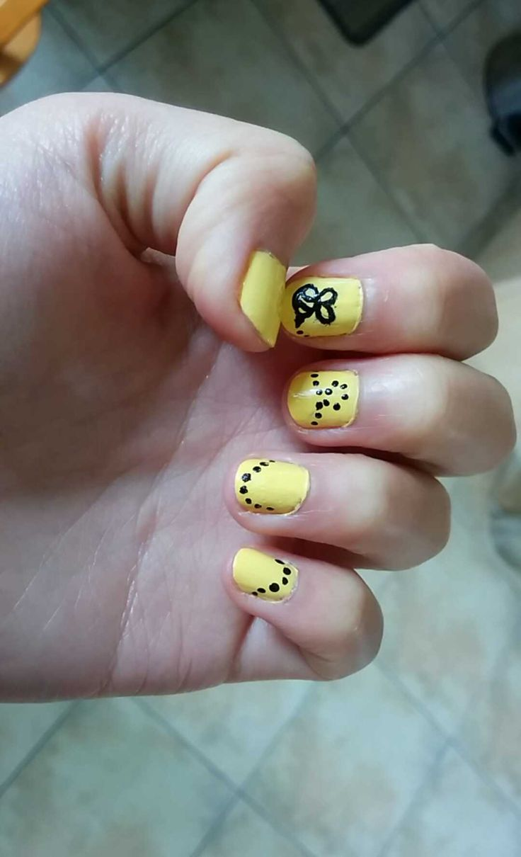 The 25 best bumble bee nails ideas on pinterest pencil nails yellow bumble bee nails easy and quick nail art design liuneytoones917 prinsesfo Image collections