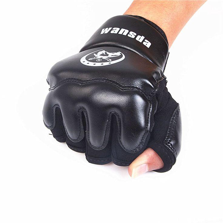 Купить товарНовый кожаный половины палец боксерские перчатки рукавицы санда каратэ с песком таэквондо протектор для Boxeo мма муай тай кикбоксинг в категории Боксерские перчаткина AliExpress.         Половина палец бороться боксерские перчатки протектор для boxeo ММА Муай Тай тайский Kick Boxing обучение