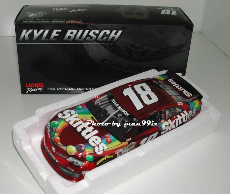 ACTION Nascar Skittles Toyota Kyle Bush 2014 #18 1:24 NEU/OVP in Modellbau…