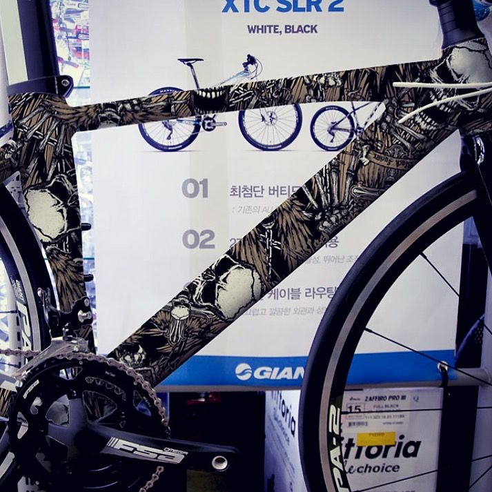 Black lucifer death skull. extreme character design.  road bike tuning skin graphicer X  bike  designed by doldol.  #bike #bicycle #그래피커 #bmx #graffiti #extreme #character #design #tuning #skin #sticker #자전거 #giant #로드자전거 #로드바이크 #로드 #mtb #자전거튜닝 #자전거스티커 #downhill #자전거스티커 #roadbike #tattoo #skull #bikesticker #camp #bikerace #doldoldesign #graphicer #픽시 #인스타그램
