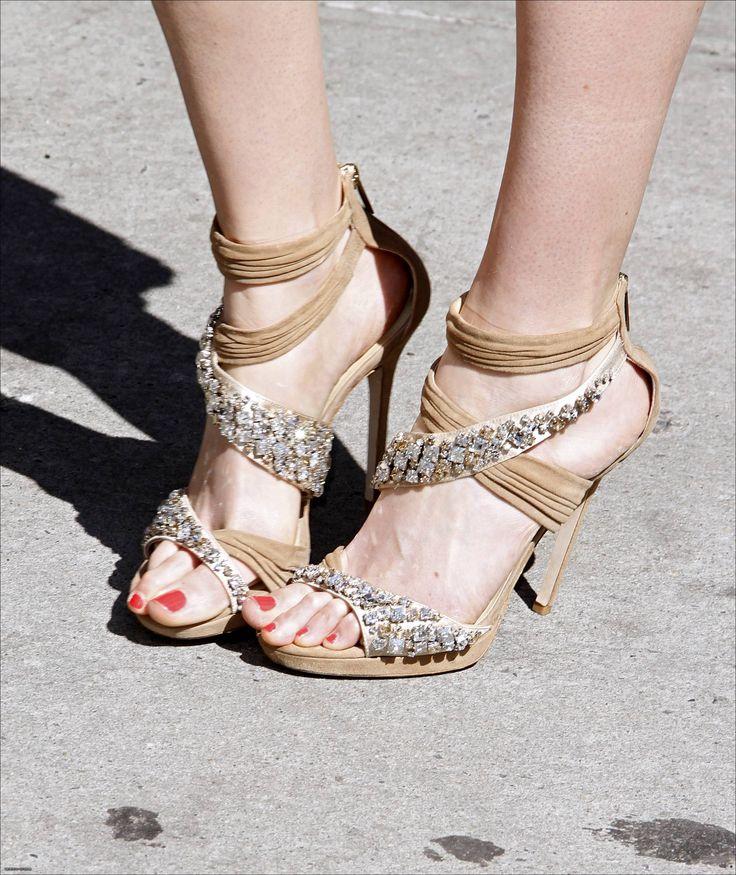 Krysten Ritter's Feet