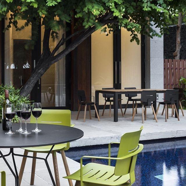 Fantastisch Ein Zeitlos Schicker Stuhl Für Balkon Terrasse Und Garten Der Dank Seiner  Teakholz Beine Und Dem