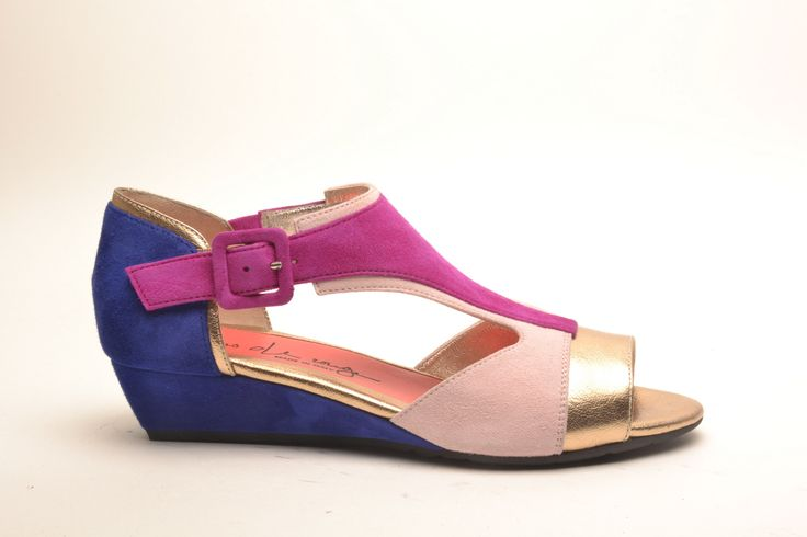 #pasderouge #shoes #summer #suede #wedge #sandal #colors #gold