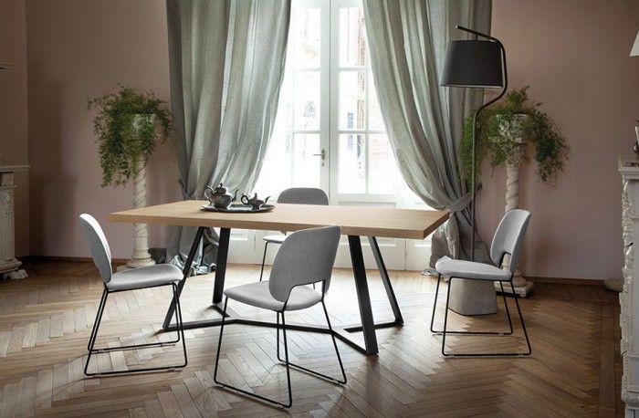 Archie jídelní stůl je stylizovaný do jednoduchosti, která v sobě mísí základní provedení spolu se zajímavou konstrukcí. Výrazná obdélníková deska je...