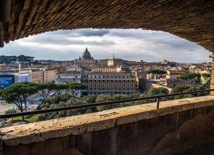 Vue du chateau Saint Ange Rome #italie #rome #chateau #perspective #voyage