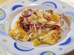 Snelle plaattaartjes met gehakt, bacon en Gruyère. Erg lekker :)