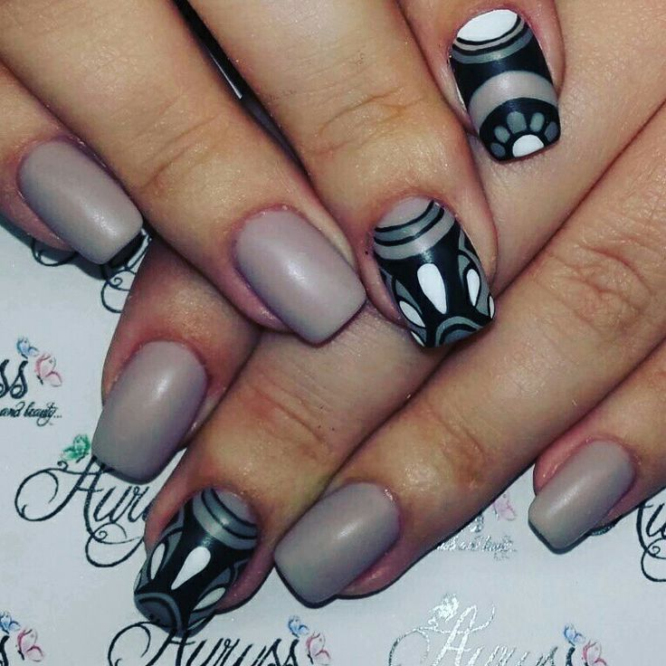 Nails art abstract grey autumn nails