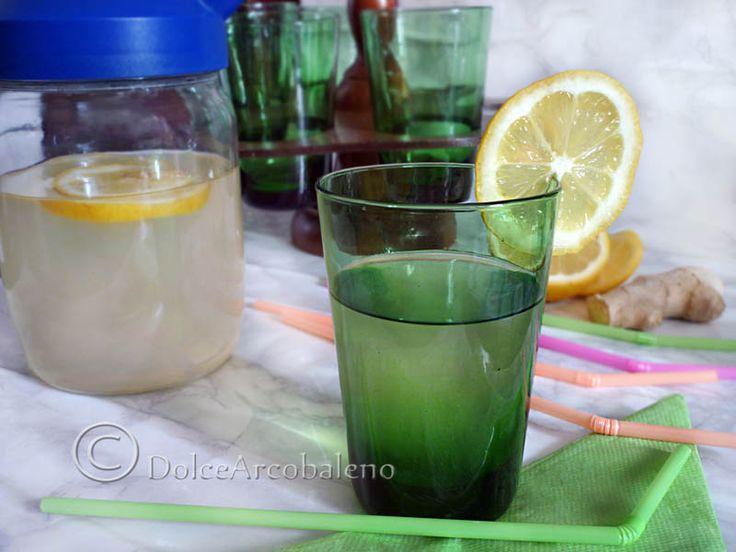 Bibita rinfrescante con zenzero e limone