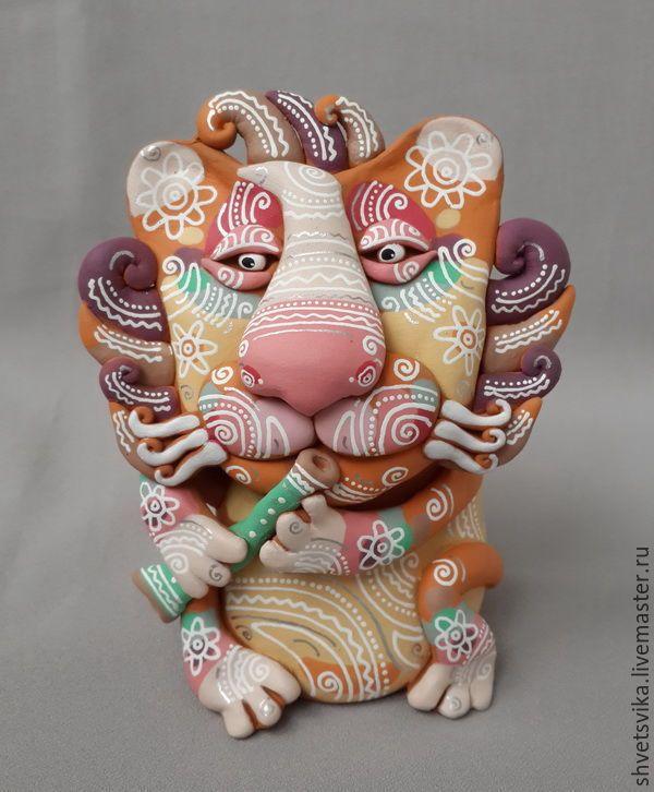 Купить Лев.Скульптурка керамическая. Роспись по керамике. - бежевый, лев, царь зверей, царь, музыкант