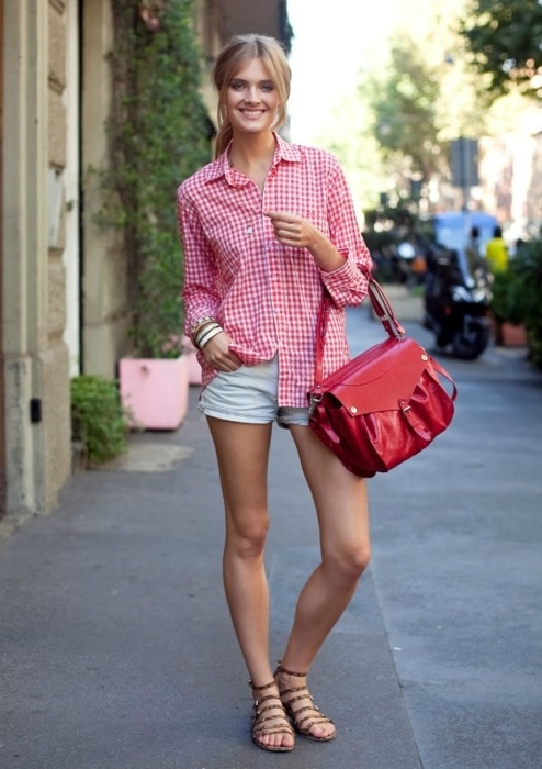 i love the pink gingham shirt!