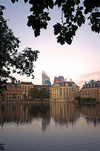 Hofvijfer & Mauritshuis, Den Haag, Netherlands