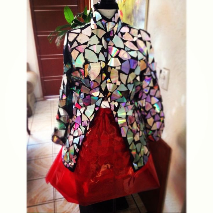 The finished dress made from recycled CDs.......DIY Super Exciting Ideas to Recycle Old CDs and DVDs