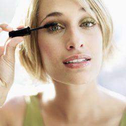 Segreto per sublimare lo sguardo, il mascara è il prodotto make-up indispensabile per il nostro rituale di bellezza. Ma come fare per assicurarci che il nostro miglior alleato sia quello che fa per...