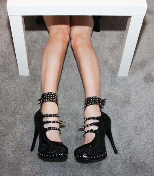 How to make a heel / wedge shoe. Super Spiked Heels - Step 13
