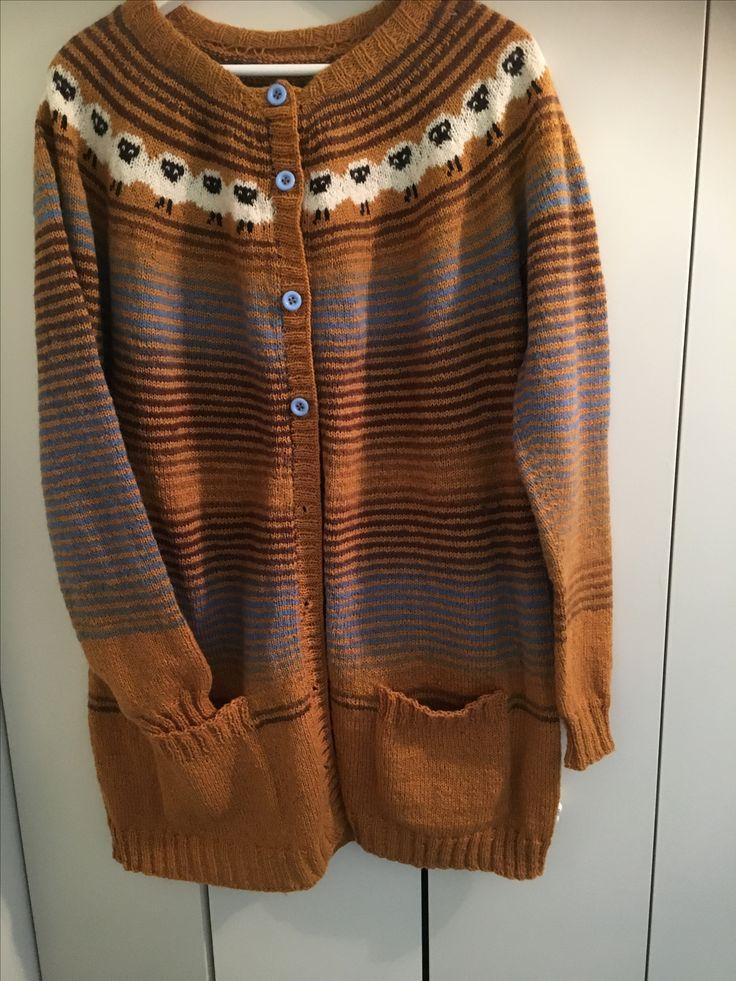Sinnasaujakke strikket i Kauni og Rauma finull