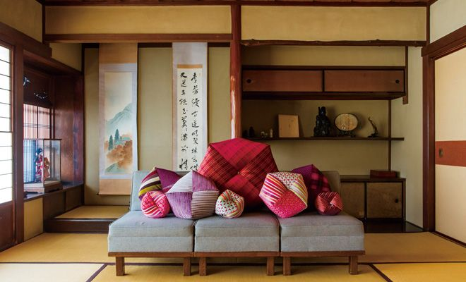 Takaokaya-Ojami-Cushion-Interior-Scene-2-Kyoto-Machiya-Townhouse-Interior