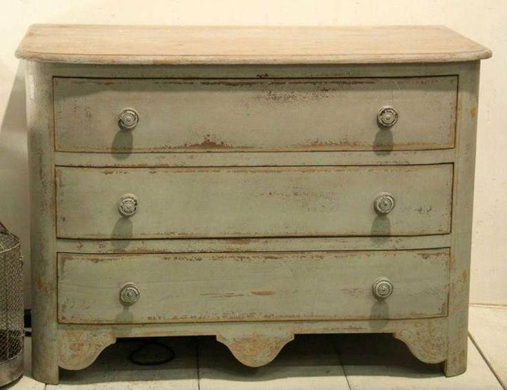 Cómo pintar un mueble en blanco envejecido