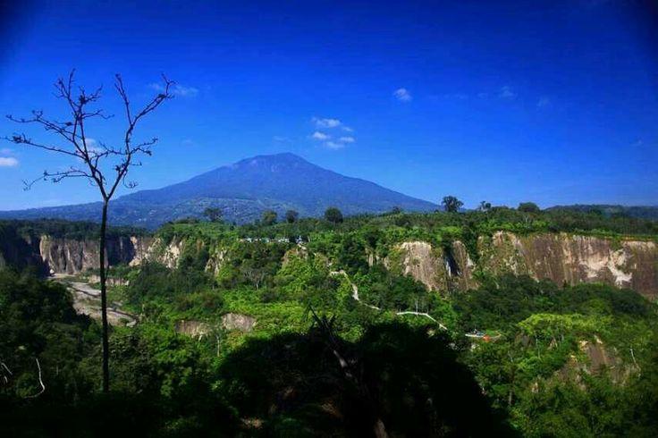 Ngarai Sianok Indonesia