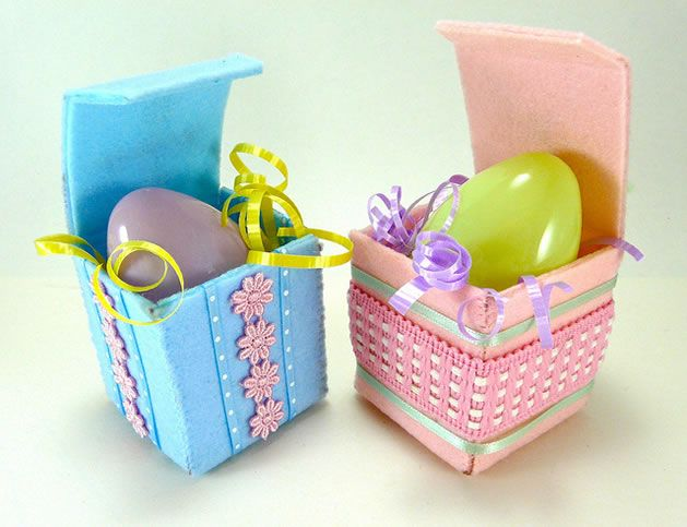 113 best easter images on pinterest boxes chocolates and easter how to make a felty easter gift box from craftypod negle Choice Image