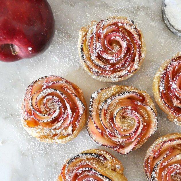Rose en dessert (pommes, confiture d'abricot)