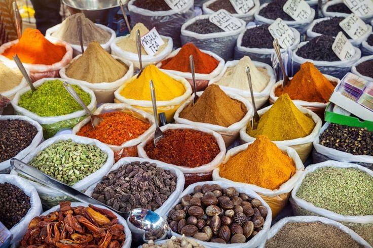 #RECETTES #INDIENNES    LES #ÉPICES PRÉFÉRÉES DES #FAMILLES INDIENNES    Voici donc le #kit de #survie indispensable que l'on trouve dans la #cuisine de toute #famille indienne et notamment #Tamoule!    https://www.pondicherry-arts.com/fr/ateliers-saveurs/recettes-indiennes/152-retour-aux-sources