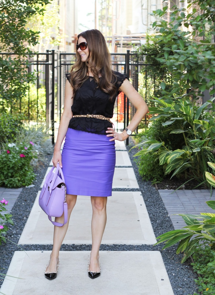 Veronika's Blushing: Lace, Lilac & Lulu on a Friday: Plays Dresses, Color Combinations, Fashion Notebooks, Skirts Better, Style 3 3, Pencil Skirts, Fashion Bloggers, Black Tops, Black Love