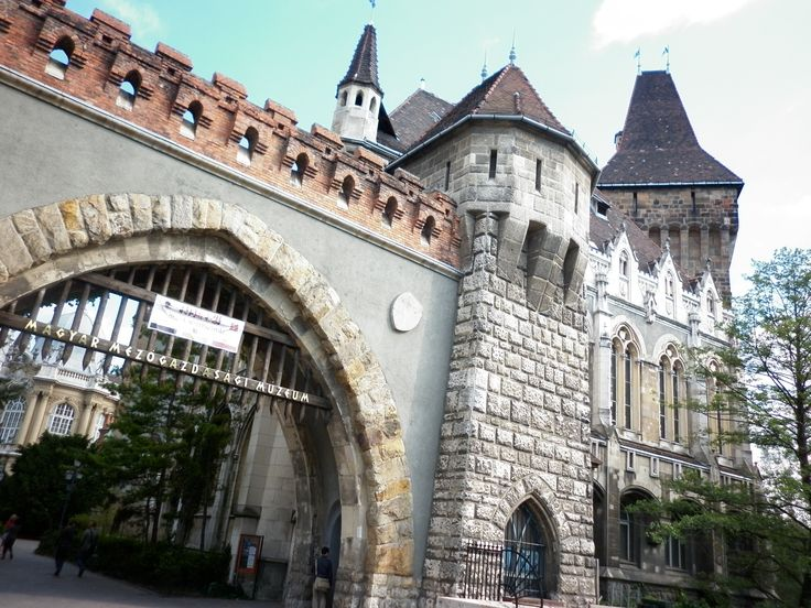 Un clásico castillo de dragon y princesa :P