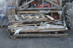 Where to find and how to get free pallets, lumber, and other building materials for free