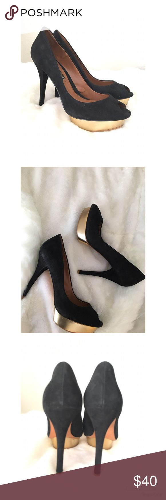 Zara Black Suede Pumps/Heels With Gold Platform✨ These black heels are gorgeous! Only worn a few times. Very little wear on the bottom, other than that in great condition ✨✨ Size 8 Height 5 inches   Sorry no Trades Zara Shoes Heels