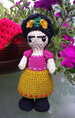 Muñeca Frida Kahlo Amigurumi - Patrón Gratis en Español aquí: http://tejiendoconmax.blogspot.com.es/2015/06/frida-kahlo-crochet.html