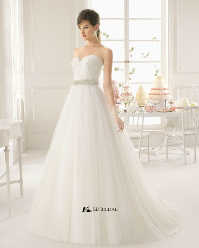 Superb  New Collection Ball Gown Strapless Sweetheart Beaded Lace Wedding Dress Patterns