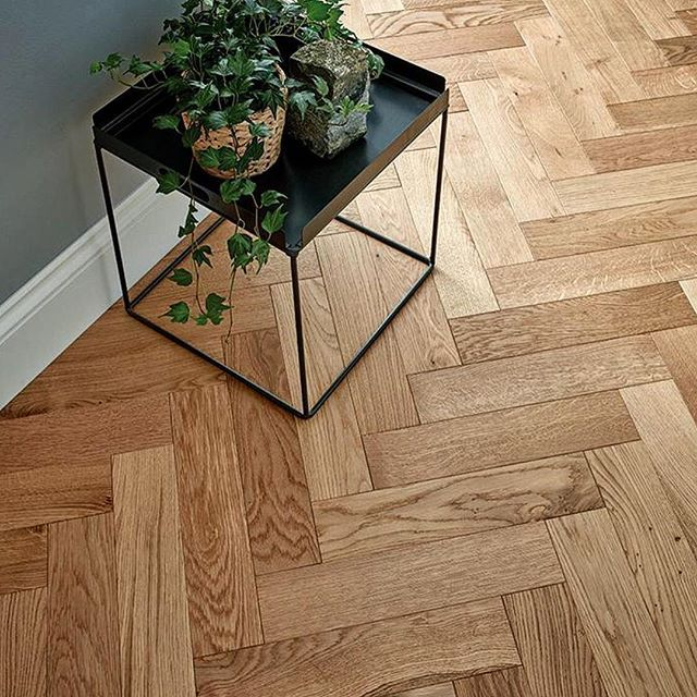 Classic oak herringbone parquet https://www.mckays.co.uk/products/woodpecker-goodrich-natural-oak-parquet-flooring #oakparquet