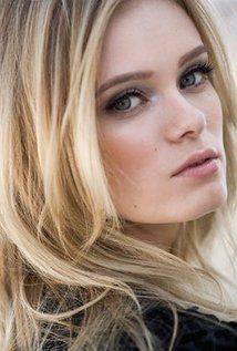 Sara Paxton Born: April 25, 1988 in Woodland Hills, Los Angeles, California, USA