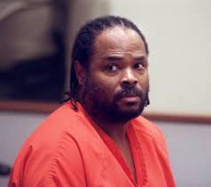 Accusé de viol en 1992, par Desirée Washington, une jeune femme de 18 ans, le boxeur américain n'a cessé de clamer son innocence. Mike Tyson est finalement condamné à 6 ans de prison mais sortira en mars 1995.