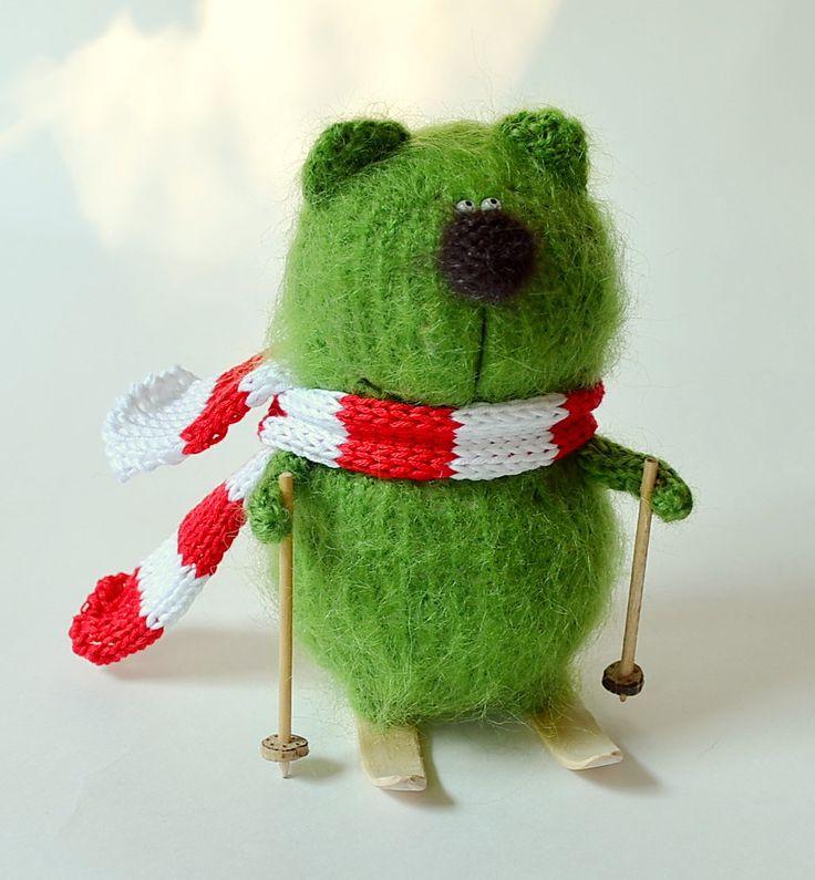 Bear skier - Amigurumi bear Animal - Hand Knitted Toy green bear Soft Plush toy…