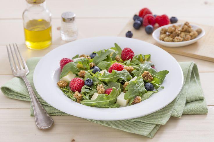 Insalata con frutti rossi e more di gelso - Frutta & Bacche - fruttaebacche.it #italianrecipes #e-shop #ricette #cucinaitaliana
